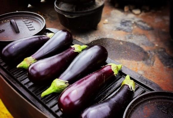 Roasting aubergines